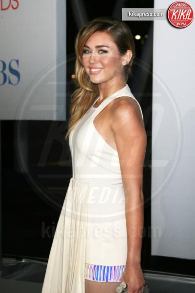 Miley Cyrus - Los Angeles - 11-01-2012 - People's Choice Awards 2012: gli arrivi sul red carpet