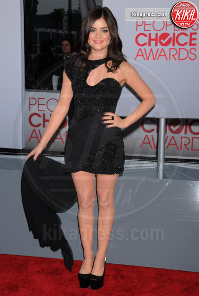Lucy Hale - Los Angeles - 11-01-2012 - People's Choice Awards 2012: gli arrivi sul red carpet
