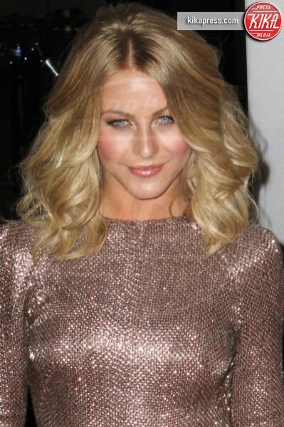 Julianne Hough - Los Angeles - 11-01-2012 - People's Choice Awards 2012: gli arrivi sul red carpet
