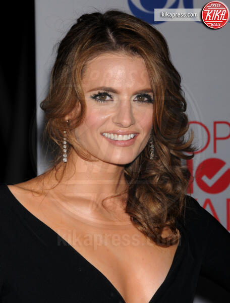 Stana Katic - Los Angeles - 11-01-2012 - People's Choice Awards 2012: gli arrivi sul red carpet
