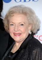 Betty White - Los Angeles - 11-01-2012 - SAG: Betty White ancora tra le premiate a 90 anni