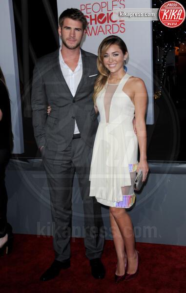 Liam Hemsworth, Miley Cyrus - Los Angeles - 12-01-2012 - People's Choice Awards 2012: gli arrivi sul red carpet