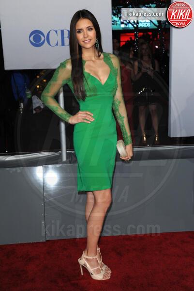 Nina Dobrev - Los Angeles - 12-01-2012 - People's Choice Awards 2012: gli arrivi sul red carpet
