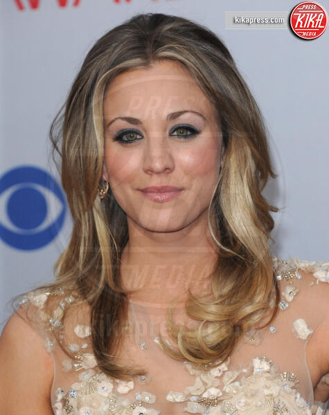 Kaley Cuoco - Los Angeles - 12-01-2012 - People's Choice Awards 2012: gli arrivi sul red carpet