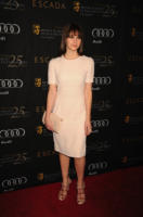 Felicity Jones - Beverly Hills - 14-01-2012 - Felicity Jones, la teoria… dell'eleganza chic!