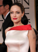 Angelina Jolie - Los Angeles - 15-01-2012 - Angelina Jolie: dopo la mastectomia, qualcosa è cambiato?