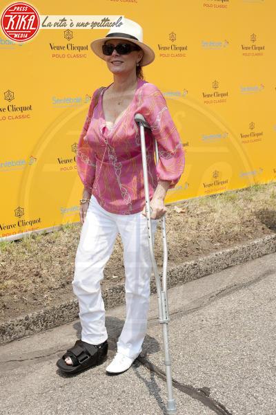 Susan Sarandon - New York - 27-06-2010 - Bende, cerotti, gessi, la dura vita della star