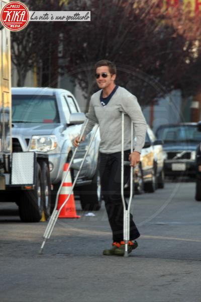 Jake Gyllenhaal - Beverly Hills - 20-03-2008 - Bende, cerotti, gessi, la dura vita della star