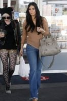 Kim Kardashian - Los Angeles - 20-01-2012 - Kim Kardashian parteciperà a un altro telefilm