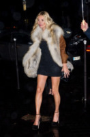 Kate Moss - Parigi - 25-01-2012 - Kate Moss, non è tutto nero quel che indossa…