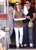 Ellen Pompeo - Los Angeles - 27-01-2012 - Star come noi: portano a casa gli avanzi dal ristorante