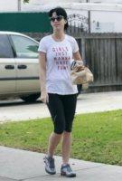 Katy Perry - Los Angeles - 27-01-2012 - Star come noi: portano a casa gli avanzi dal ristorante
