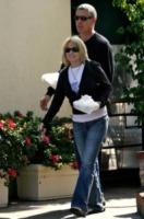 Melissa Etheridge - West Hollywood - 27-01-2012 - Star come noi: portano a casa gli avanzi dal ristorante
