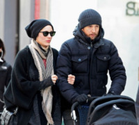 Marcel Canet, Marion Cotillard, Guillaume Canet - New York - 29-01-2012 - Che imbarazzo Marion Cotillard: tutta colpa del marito burlone