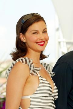 "Ashley Judd - 22-05-2004 - Ashley Judd si confessa a Glamour: ""Ero depressa"""