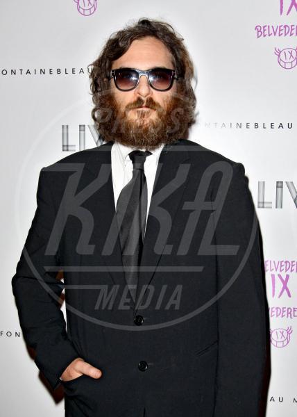 Joaquin Phoenix - Miami - 01-02-2012 - Barba Natale: se a consegnare i regali fosse un sexy lui
