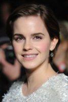 Emma Watson - Londra - 20-11-2011 - Emma Watson criticata per il suo taglio corto
