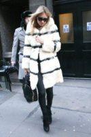 Kate Moss - Londra - 03-02-2012 - Kate Moss, non è tutto nero quel che indossa…