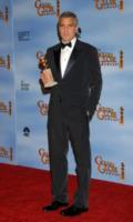 George Clooney - Beverly Hills - 15-01-2012 - George Clooney non si interessa delle voci che lo vogliono gay