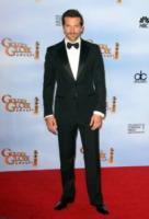 Bradley Cooper - Beverly Hills - 15-01-2012 - Zoe Saldana ha un appuntamento con la madre del fidanzato Bradley Cooper