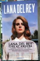 """Lana Del Rey - Hollywood - Lana Del Rey onesta nelle interviste: """"Dormo sul divano del mio ex"""""""