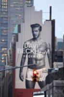 David Beckham - New York - 08-02-2012 - David Beckham ama sempre più la sua Victoria
