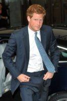 Principe Harry - Londra - 31-08-2011 - Medaglia per il principe Harry alla fine dell'addestramento da elicotterista