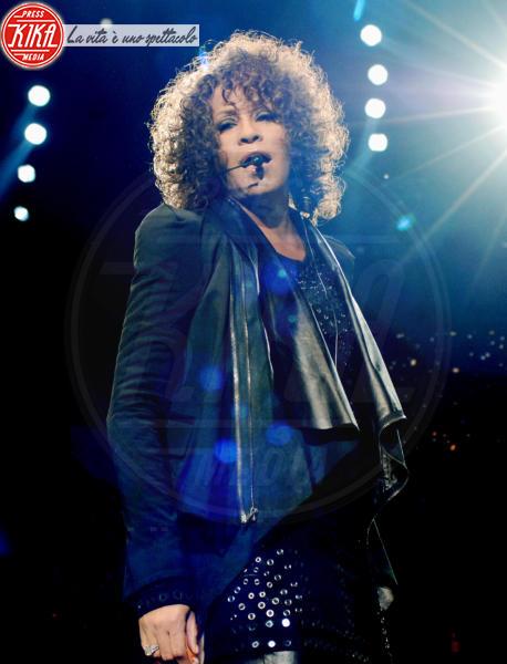 Whitney Houston - Milano - 12-02-2012 - Tutti i fan invitati al funerale di Whitney Houston all'arena di Newark
