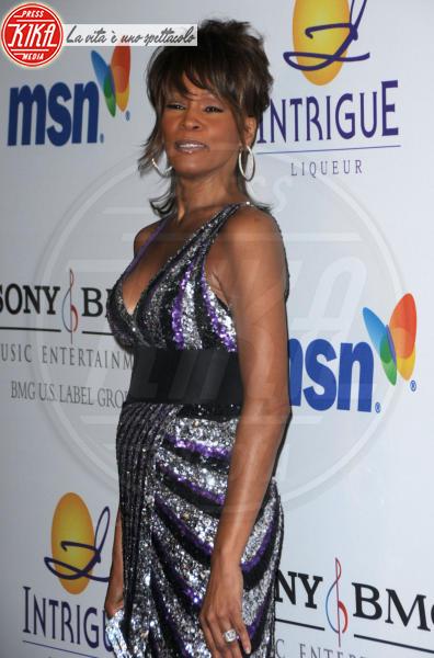 Whitney Houston - Beverly Hills - 12-02-2012 - Tutti i fan invitati al funerale di Whitney Houston all'arena di Newark