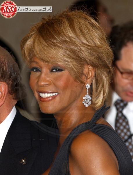 Whitney Houston - Beverly Hills - 12-02-2012 - Scandalo polizia: apprezzamenti al cadavere di Whitney Houston