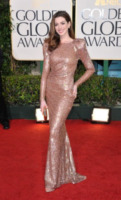 Anne Hathaway - Los Angeles - 17-01-2011 - Anne Hathaway, una diva dal fascino… Interstellare!