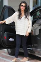 Kourtney Kardashian - Los Angeles - 19-02-2012 - Kourtney Kardashian aspetta una bambina