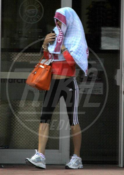 Anna Kournikova - Miami - 15-04-2009 - La foca grigia che si sente una star