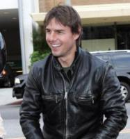 Katie Holmes, Tom Cruise - Beverly Hills - 05-06-2005 - Scientology pronta a finanziare i film di Tom Cruise