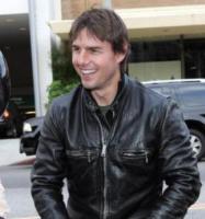 Katie Holmes, Tom Cruise - Beverly Hills - 05-06-2005 - Scientology pronta a finanziare i film di Tom Cruise