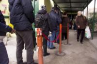 fila per il pane - Milano - 29-02-2012 - Il Pane Quotidiano ai tempi dell'Euro