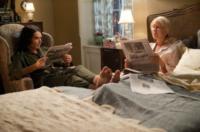 Russell Brand, Helen Mirren - Los Angeles - 29-03-2011 - Leggere, che passione! Anche le star lo fanno!