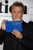 Dustin Hoffman - Westwood - 30-10-2006 - Leggere, che passione! Anche le star lo fanno!