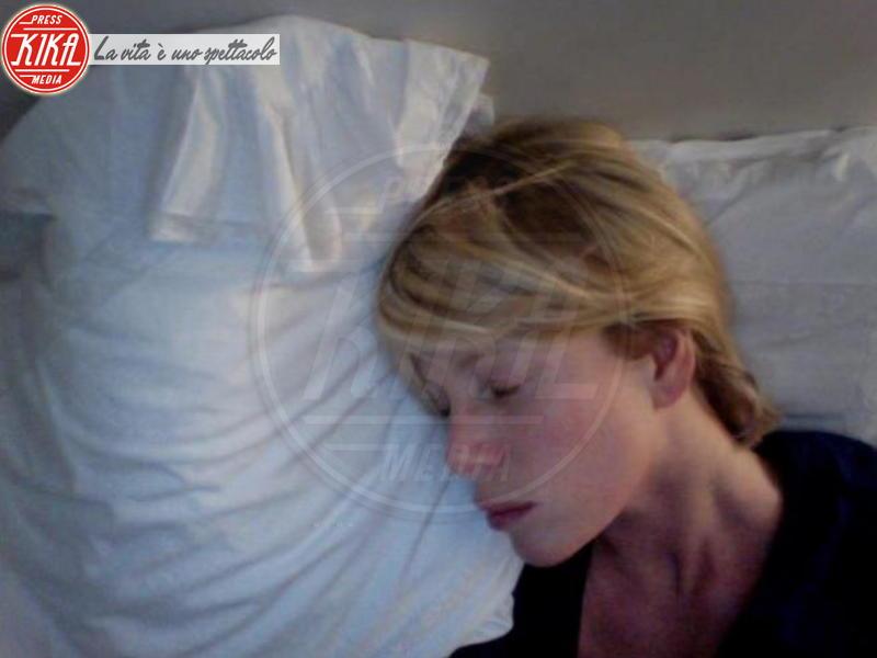 Alessia Marcuzzi - Milano - 06-03-2012 - Dormirebbero tutto il giorno, ma solo per una buona causa
