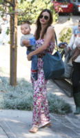 Flynn Bloom, Miranda Kerr - Los Feliz - 17-01-2012 - Maxi dress: tutta la comodità  dell'estate