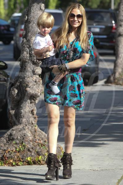 Brooke Mueller - Beverly Hills - 20-09-2011 - Amore, ma quando scendi dalle braccia di mamma?