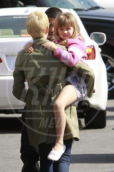Matilda Ledger, Michelle Williams - Los Angeles - 29-02-2012 - Amore, ma quando scendi dalle braccia di mamma?