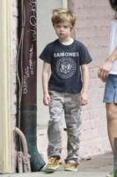 Shiloh Jolie Pitt - New Orleans - 07-03-2012 - Buon compleanno a Shiloh, la figlia dei Brangelina