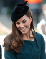 "Kate Middleton - Londra - 08-03-2012 - Kate Middleton, a Leicester con la regina, sente ""terribilmente"" la mancanza di William"