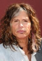 Steven Tyler - Los Angeles - 11-03-2012 - Steven Tyler cameriere a New York, ma solo per un'ora
