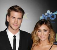 Liam Hemsworth, Miley Cyrus - Los Angeles - 12-03-2012 - Miley Cyrus e Liam Hemsworth di nuovo fotografati insieme