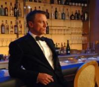 Daniel Craig - Los Angeles - 01-09-2006 - Venduto il completo di Daniel Craig e la sedia del Grande Fratello inglese