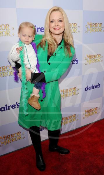 Marisa Coughlan - Hollywood - 17-03-2012 - Corto e colorato: ecco il cappotto di primavera
