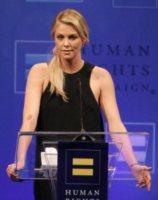 Charlize Theron - Los Angeles - 17-03-2012 - Kristen Stewart ci ha dato un taglio... definitivo!