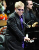 Elton John - Raleigh - 18-03-2012 - Il commovente messaggio di Elton John per la morte della mamma